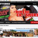 Bikini Crashers Accs